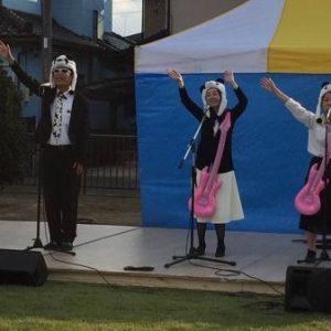 TKT48はにぽん女子部(埼玉県本庄市を応援し隊)、籠原中央公園(熊谷市)で開催された地域イベント「かごはら秋くまフェスタ」でステージデビュー!